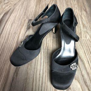 Loft Ann Taylor heels single back